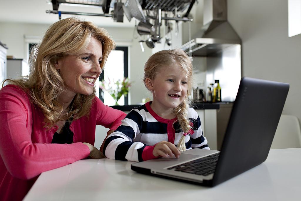 Szlaban na komputer – czy jest to właściwa metoda wychowawcza?