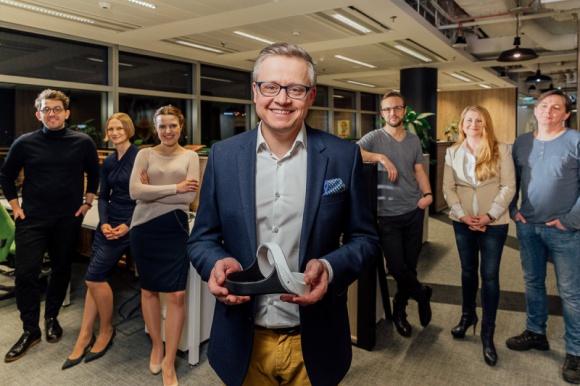 Polski startup na międzynarodowym podium! Problemy społeczne, BIZNES - Dzięki głosom internautów firma Neuro Device zajęła trzecie miejsce w pierwszym etapie konkursu Chivas Venture!