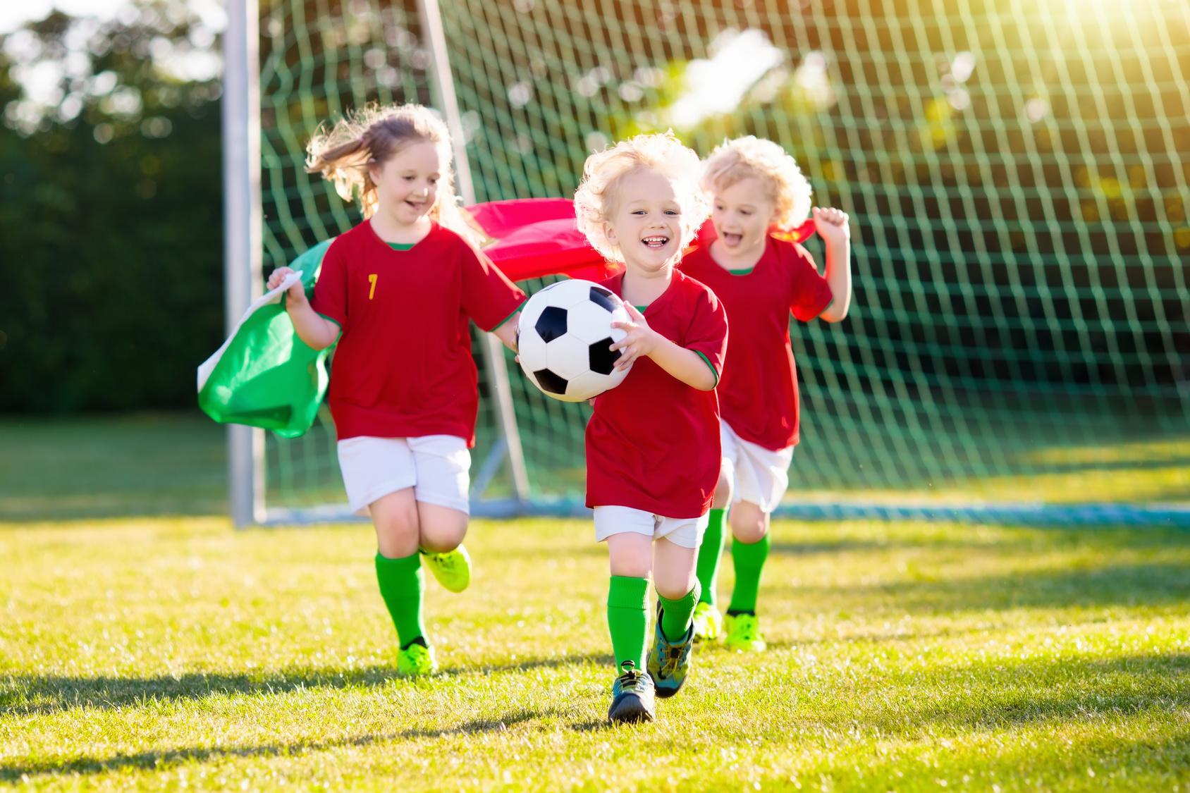 Dziecko i sport. Jaką dyscyplinę wybrać? Na co zwrócić uwagę?