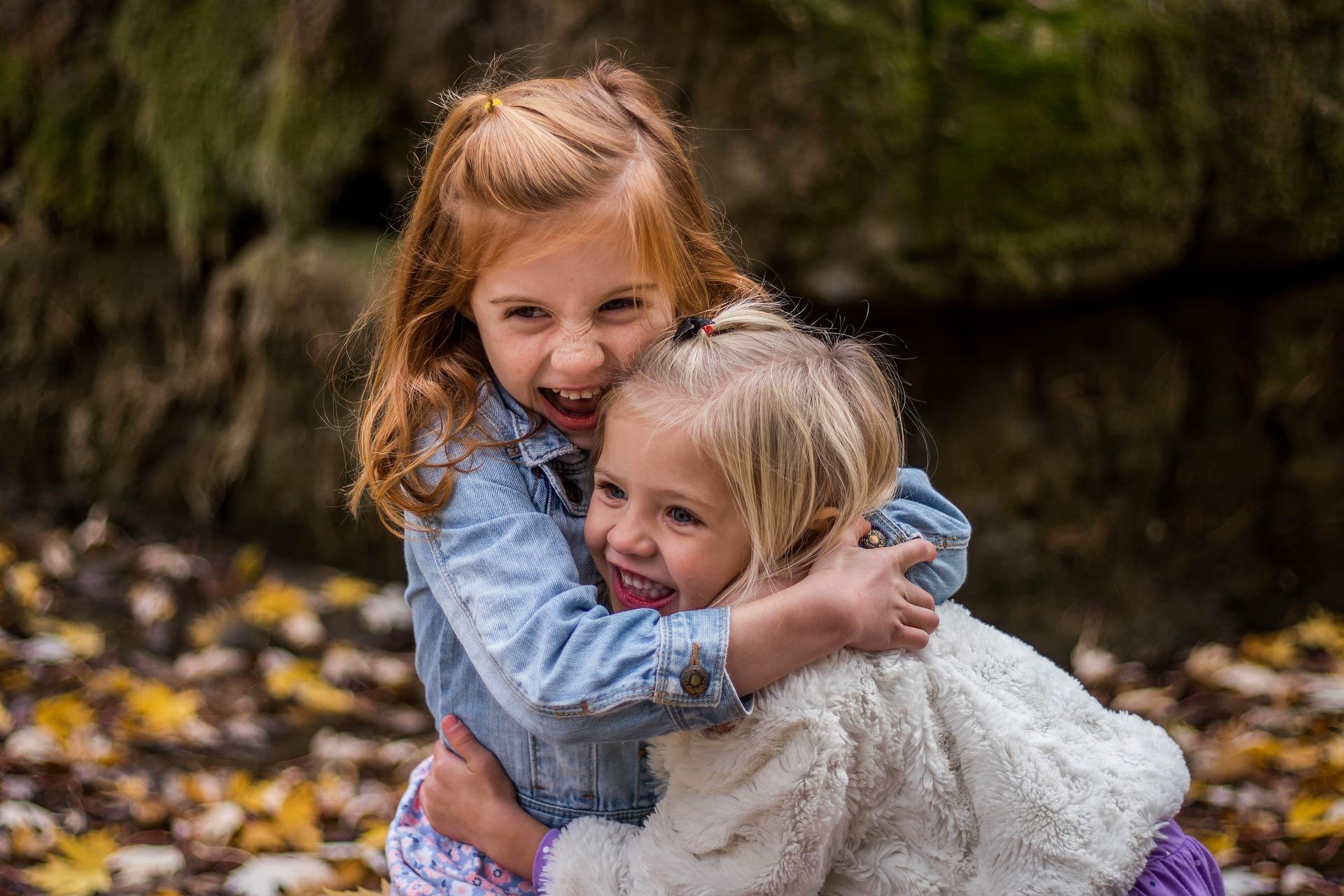 Zaburzenia integracji sensorycznej – jakie objawy mogą wystąpić u naszych dzieci?